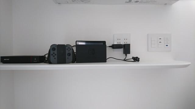 壁掛けテレビ 棚