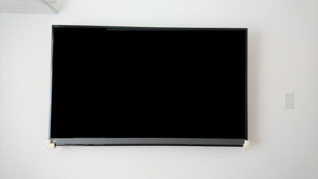 壁掛けテレビ 正面